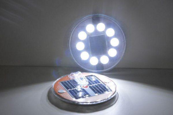 magneticke-solarne-svetlo-mela-magnet-svieti-led