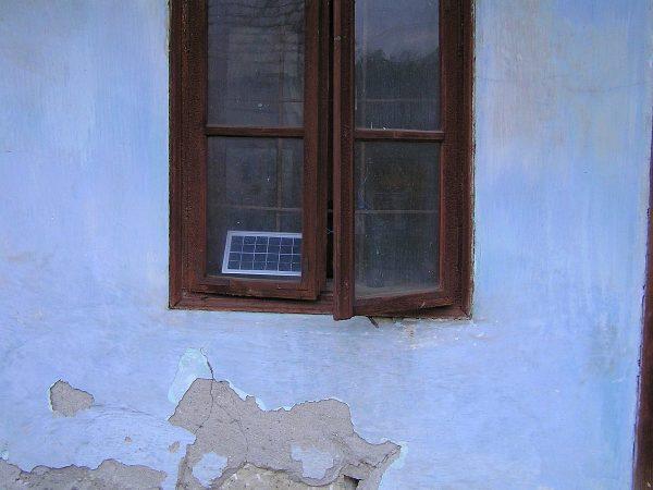 solárny panel k svetlu